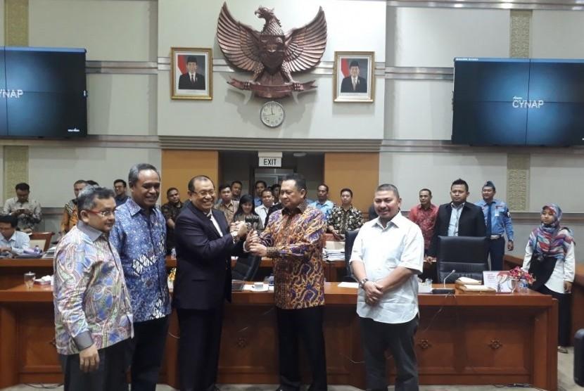 Ketua DPR Lantik Kahar Muzakir Sebagai Ketua Komisi III DPR