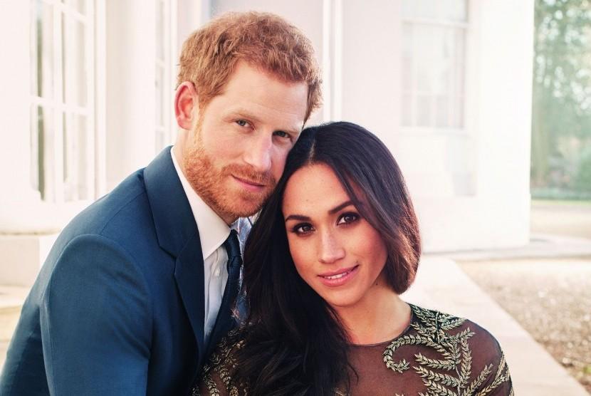 Istana Rilis Foto Pertunangan Resmi Harry-Meghan