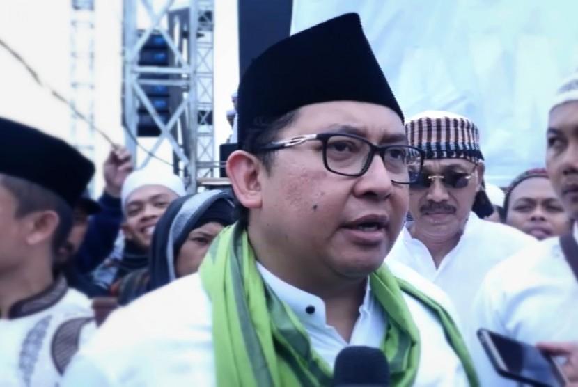 Singgung Kasus Bahar Bin Smith, Fadli Zon: Demokrasi Hanya Stempel