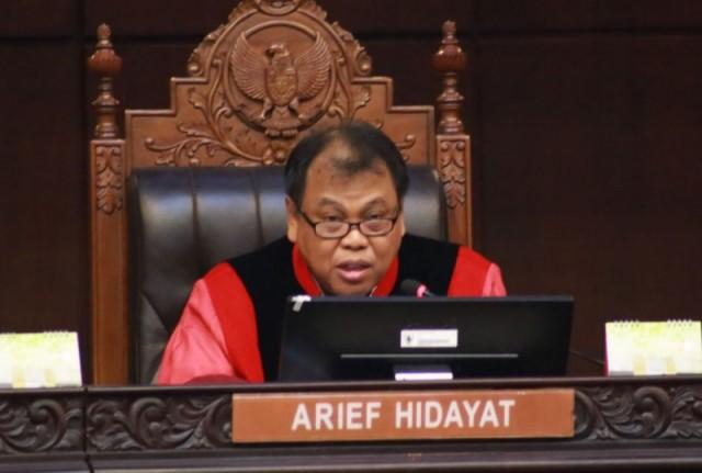 54 Profesor Tuntut Arief Mundur dari Ketua MK