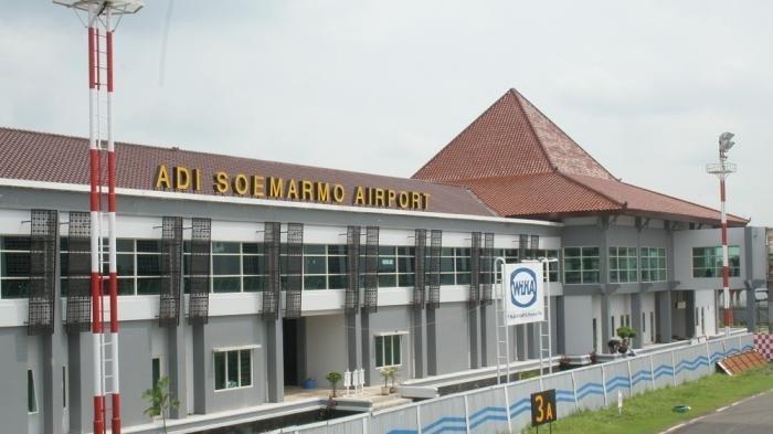 Penumpang Pesawat Dikasari dan Dikuntit 'Petugas Bandara' Dikira Pesan Taksi Online
