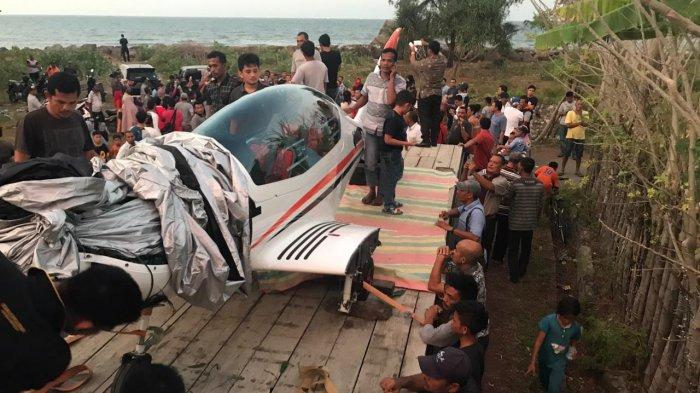 Pesawat Gubernur Aceh Mendarat Darurat di Aceh Besar