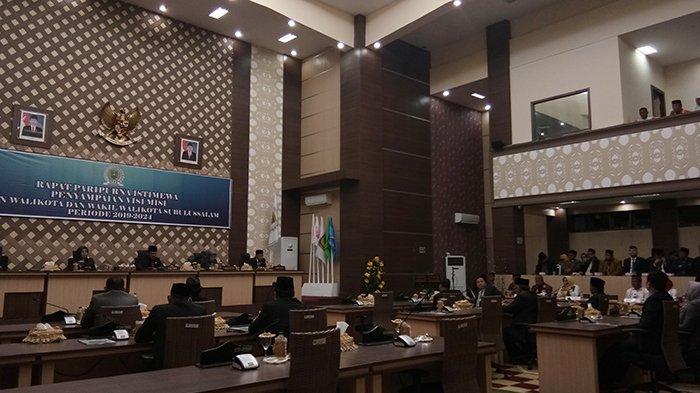 Sempat Ricuh, Penyampaian Visi Misi Calon Wali Kota/Wakil Wali Kota Subulussalam Berakhir Sukses