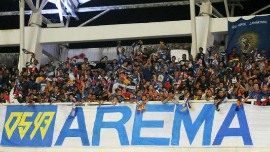 Aremania Tertahan di Stadion Palaran Seusai Laga Persebaya Vs Arema