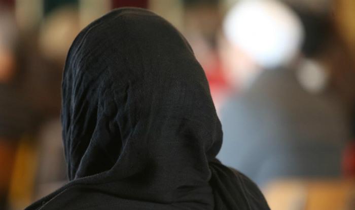 Dipaksa Lepas Hijab Oleh Polisi, 3 Wanita Muslim Dapat Rp 24 Miliar