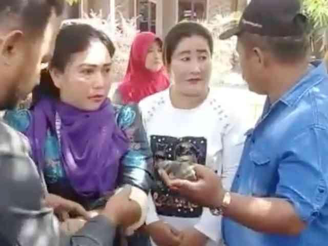 Video Maling Baju Gamis Tertangkap Warga di Depok
