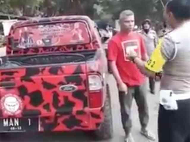 Video Viral Ketua PDIP Bima Ngamuk Ditilang, Partai Copot Jabatannya