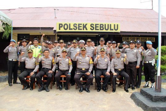 Boyong Para Perwiranya Kapolres Kukar Kunjungi Polsek Sebulu dan Polsek Muara Kaman