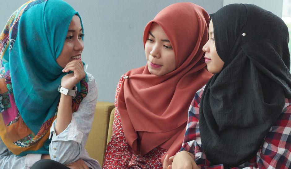 Hijab Dan Akhlak Adalah Dua Hal Yang Berbeda