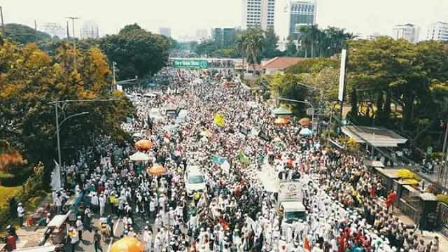 Diprediksi Sepi, Begini Penampakan Aksi Bela Islam 'Puisi SARA Sukmawati', Bahkan Di Sejumlah Daerah Demo Sukmawati Marak
