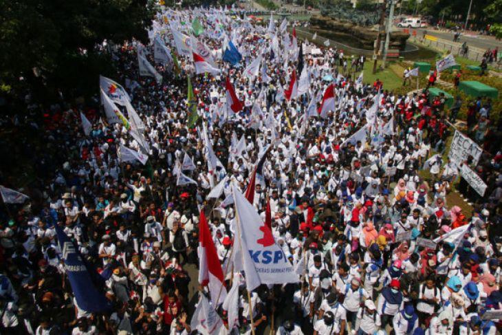 Peringatan May Day, Ini Potret Buram Demo Hari Buruh di 5 Kota Besar