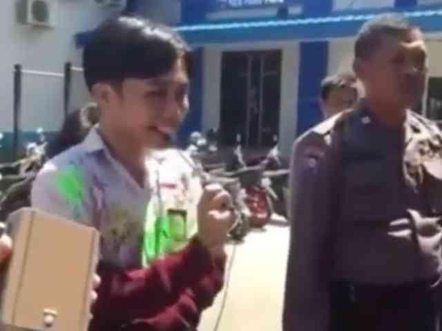 Video Ratusan Siswa Dihukum Hafal Pancasila Lantaran Konvoi Kelulusan