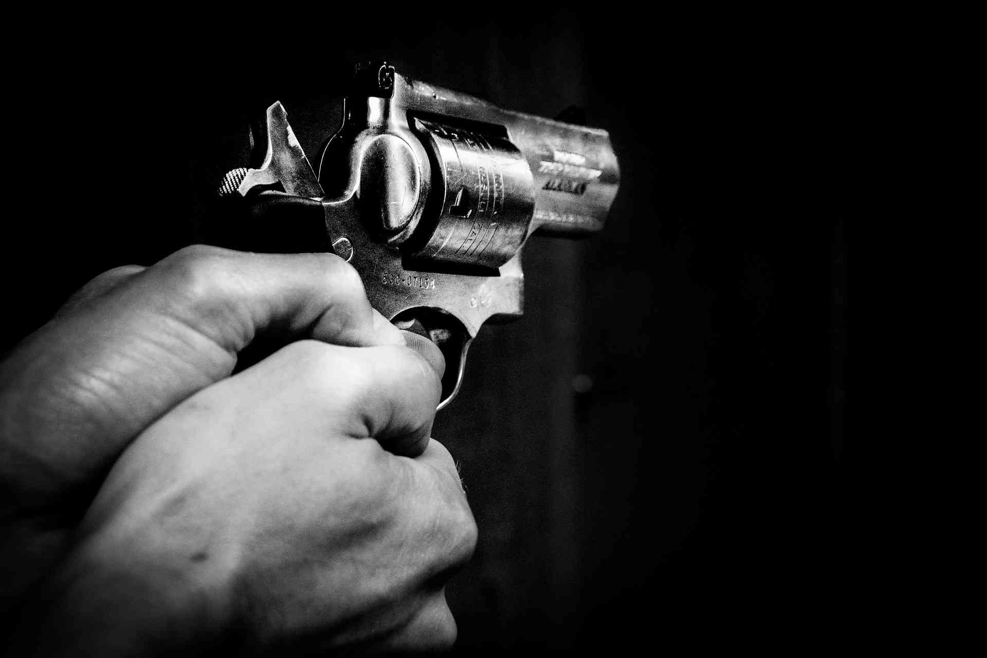 Istri Tewas Ditembak Komplotan Begal Saat Tunggu Suami Beli Pulsa