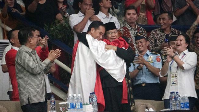Pasang Foto Saat di Arena Pencak Silat, Jokowi Ucapkan Selamat Ultah ke Prabowo Subianto