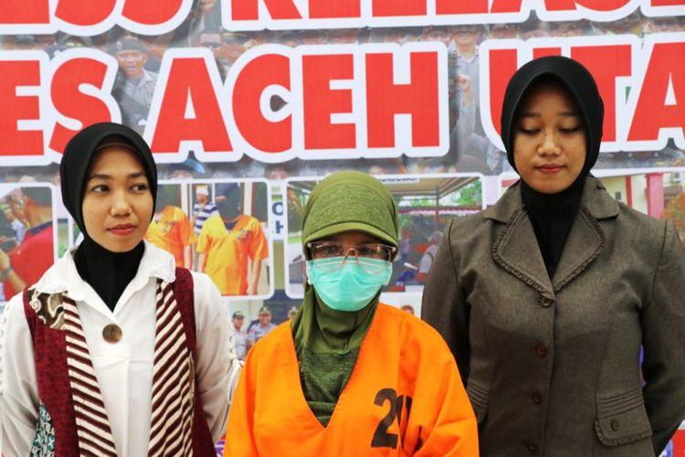 Setahun, Di Aceh Ibu Guru  Cabuli Lima Muridnya