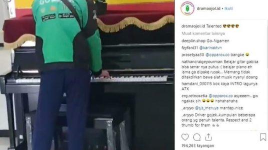 Aksi Driver Ojol Mainkan Piano Ini Bikin Baper Warganet