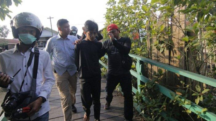 Salah Satu Kampung Narkoba di Samarinda Digrebek BNNK-Brimob,  Ditembak Pengedar-Pemakai Kocar Kacir Masuk Rawa Indah