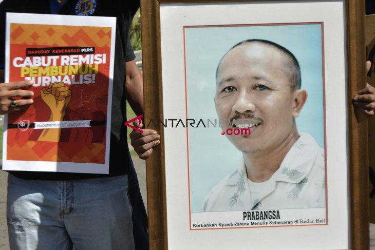 Presiden Joko Widodo Didemo Wartawan di Sejumlah Daerah;  Pak Presiden, Cabut Kembali Remisi Pembunuh Jurnalis Radar Bali Prabangsa!
