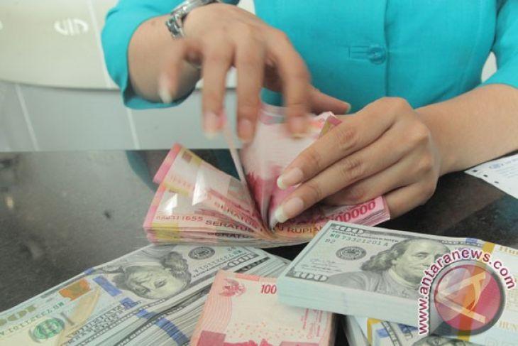 Rupiah melemah, dekati angka Rp14.000 per dolar