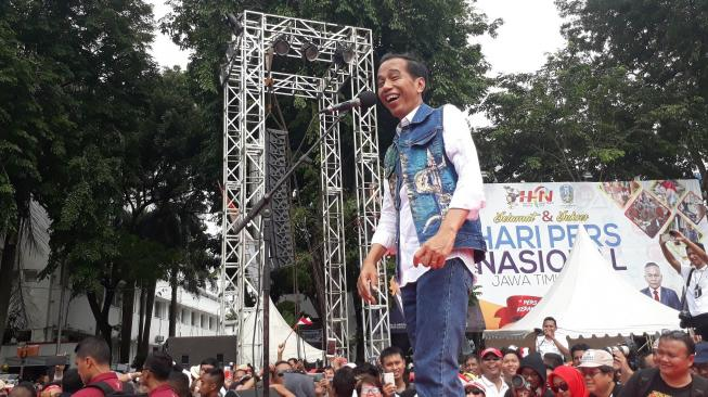 Jokowi Diberi Sebutan dari Pendukungnya ;  Cak Jancuk