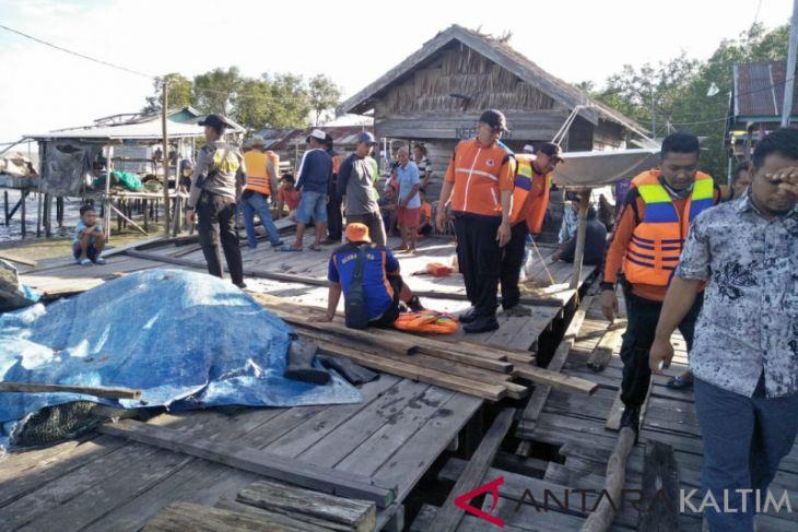 Di Paser, Gelombang Besar Setinggi 5 Meter Hantam 12 Rumah Warga