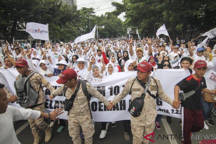 Jalan Sehat Prabowo-Sandi