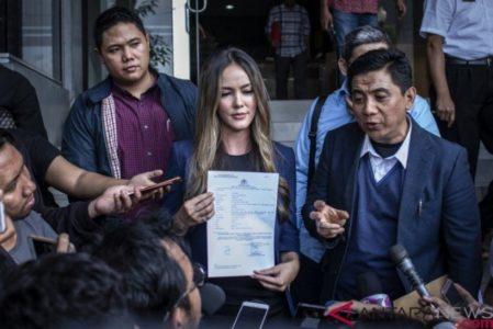 Cathy Sharon Laporkan Penyebar Hoaks Isu Prostitusi  Rp 60 Juta ke Polisi