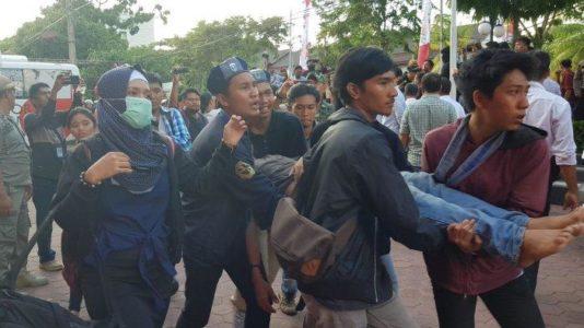 Unjuk Rasa Mahasiswa Balikpapan Tuntut Tuntaskan Kasus RPU, TPU dan Masalah Banjir  Bentrok dengan Aparat