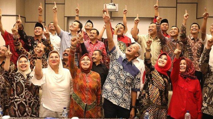 Penegakan Hukum Kembali Diuji, Bawaslu: Deklarasi Ganjar Pranowo Bersama 31 Kepala Daerah Dukung Jokowi Langgar Aturan