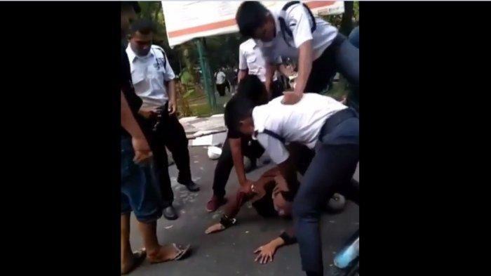 Viral, Dua Pemuda Dipukuli Sampai Tewas di Universitas Negeri Medan, Ternyata Hanya Dituduh Mencuri Helm