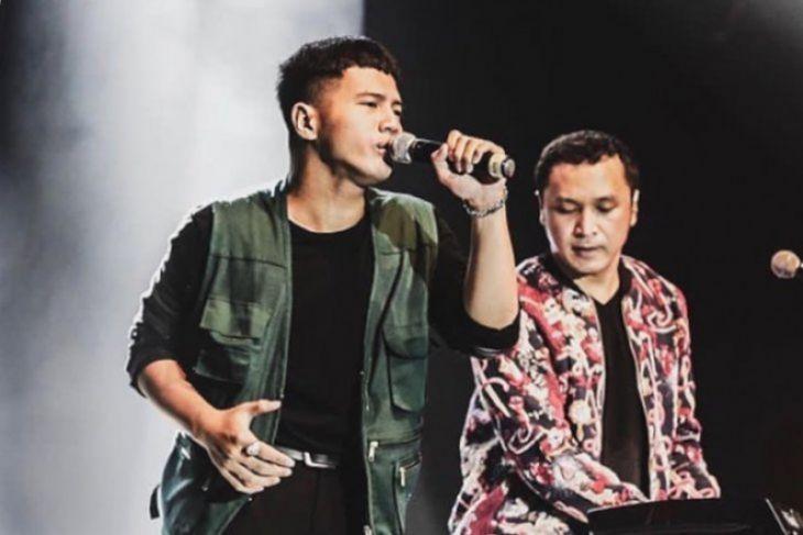 Vokalis Nidji yang Baru, Yusuf Ubay Gantikan Giring