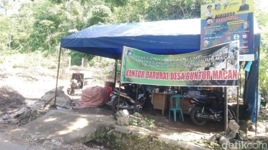 Jokowi Sok Mau Gaji Pengangguran, Rumah Korban Gempa Aja Gak Dibangun-Bangun