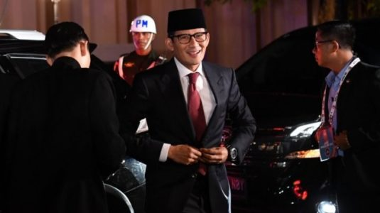 Awali Debat, Sandiaga ke Maruf Amin: Abah, Selamat Berulang Tahun ke 76
