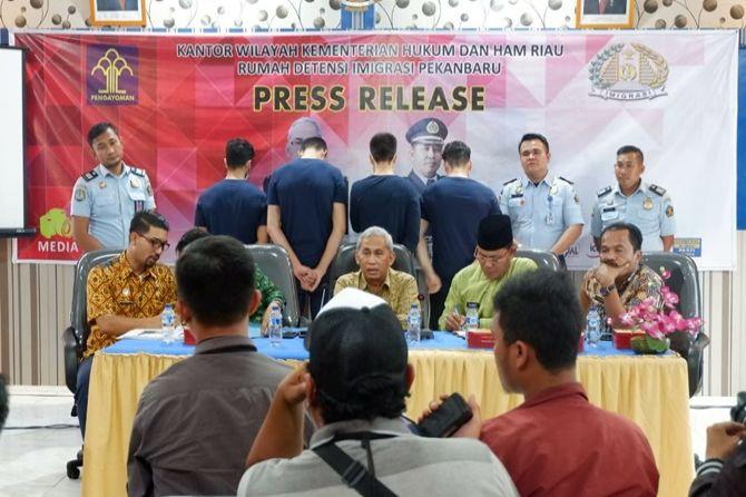4 Pengungsi Afghanistan di Riau  Selingkuhi Istri Orang