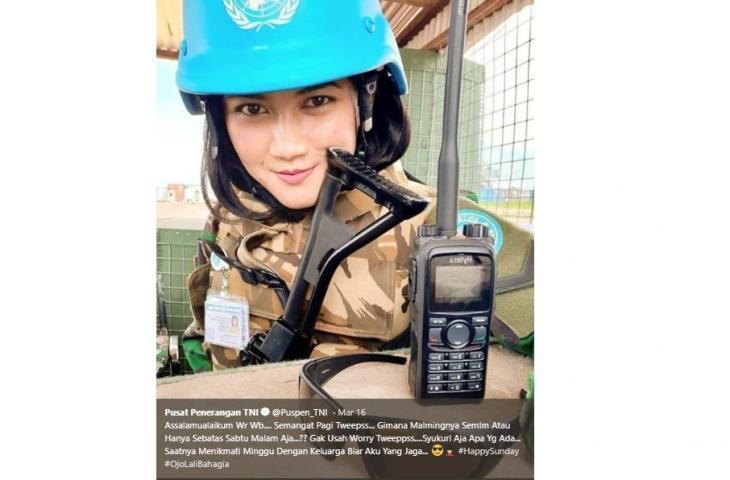 Pusat Penerangan TNI Unggah Foto Cewek Cantik,  Lengkap dengan Seragam dan Senjata,  Siapa Sih?