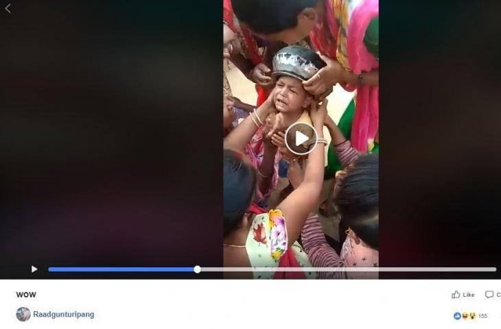 Video Ini Viral Di Facebook, Kepala Anak Kecil Ini Terjebak di Periuk