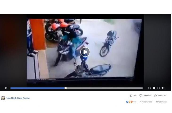 Hahaha Cara Keluar Cewek dari Parkir Motor Ini  Bikin Netizen Ngakak, Tonton Videonya