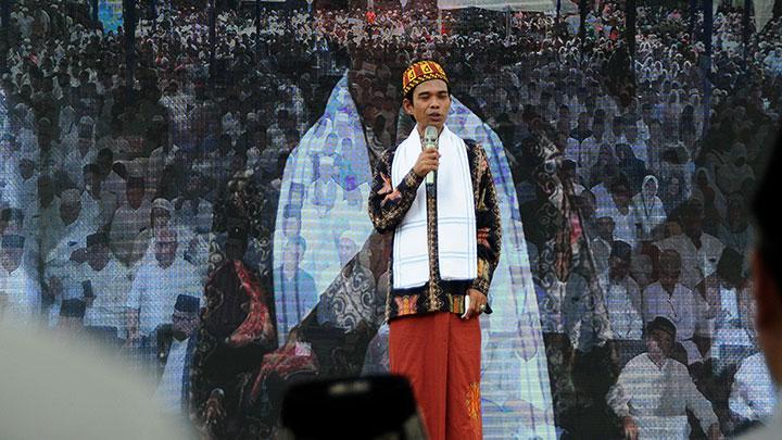 """Abdul Somad 'Coba Ditarik"""" ke Jokowi, Atau Paling Tidak Jangan Memilih Prabowo"""