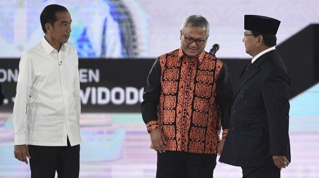 Jokowi Bilang 20 Tahun ke Depan Tak Ada Invasi, Prabowo: Aduh, Aduh, Aduh  siapa yang beribriefingitu