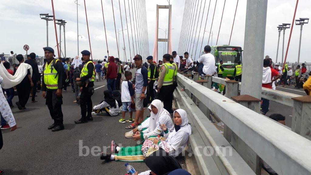 Acara MRSF Jembatan Suramadu Memakan Banyak Korban Pingsan