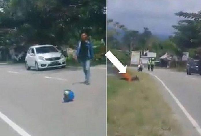 VIDEO VIRAL : Ngamuk Ditilang Petugas, Pria Ini  Bakar Motornya