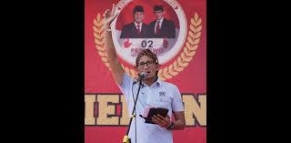Sandiaga Uno Dihadiahi Blangkon Dari Sepupu Sultan Hamengkubuwono X