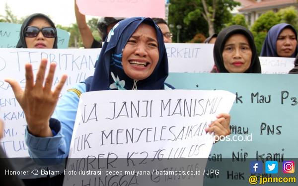 Sudah Cukup Perlakuan Terhadap Honorer, Beri Kesempatan Prabowo-Sandi!