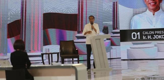 Jokowi Kembali Jualan Kartu Di Debat Pamungkas