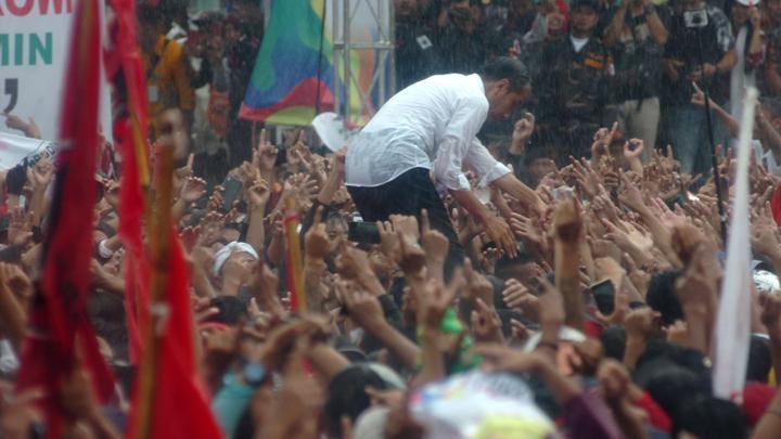 Kritik 3 Kartu Sakti Jokowi: Bebani Anggaran – Salah Sasaran