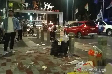 GBK Dipenuhi Sampah, Usai Kampanye Joko Widodo