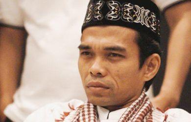 UAS-alias-Ustadz-Abdul-Somad-1-390x250