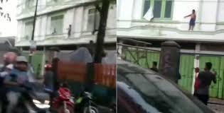 Viral Video Anak Ketakutan saat Terjebak di Lantai 2