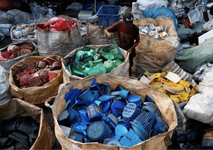 Impor Sampah Indonesia, Celah Hukum hingga Kirim Balik Limbah Asing