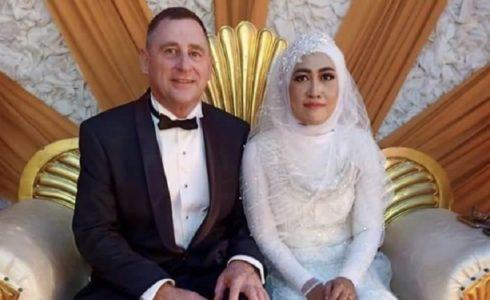 Nitizen Heboh, Polisi Australia Nikahi Gadis Bugis asal Bone Sulsel